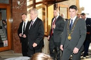 Prezident besedoval se zaměstnavatelem, představiteli města, zaměstnanci i občany