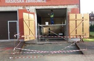 Stavební úpravy hasičské zbrojnice ve Lhotě jsou u konce