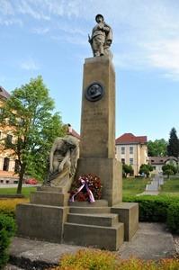 Vedení města uctilo památku padlých ve světových válkách