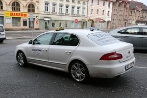 Senior taxi už slouží starším a postiženým občanům města