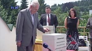 Prezident Miloš Zeman v hospici v Červeném Kostelci